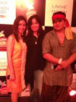 Gurubhai Thakkar with wife Khooshi and designer Pooja Kappor