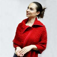 ONTARION - Elegant Red Zipped Cabled Poncho Shawl