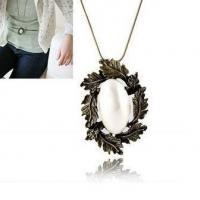 Vintage leaf and imitation pearl sweater necklace