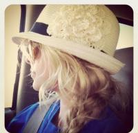 Frilly Fedora & Sexy Spring Hair