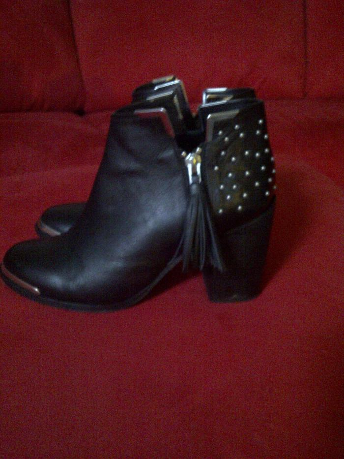 lindab day 5 shoe diary Topshop studded boots
