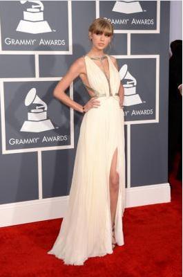 Celebrity dress replicas of Taylor Swift