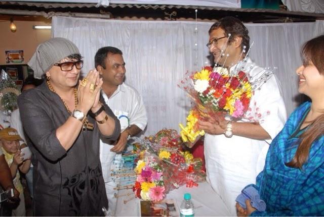 Gurubhai Thakkar with Mahesh Manjrekar