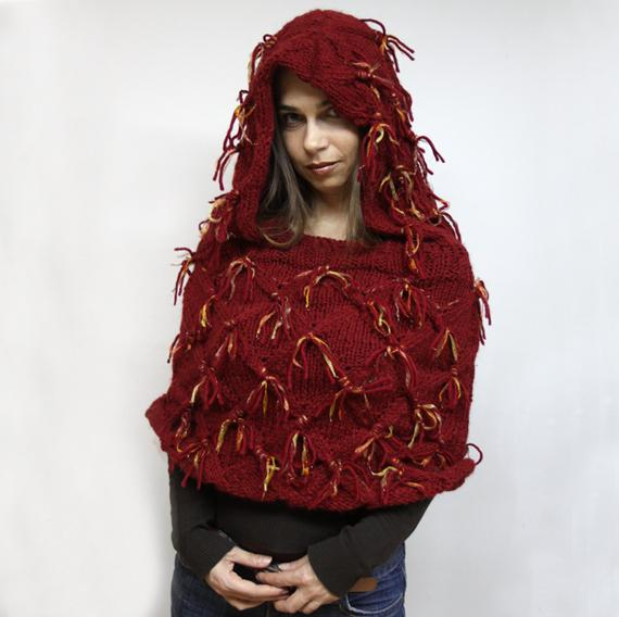 Koukery - Red cape with hood